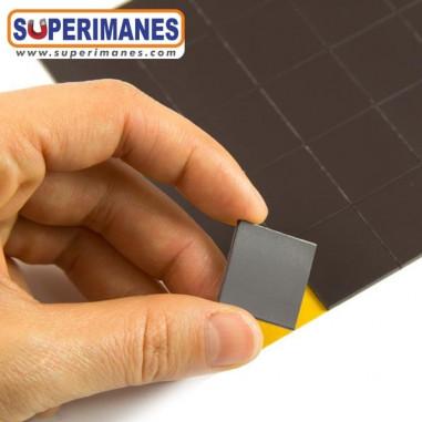 Cuadrado magnético adhesivo 20x20mm grosor 1mm