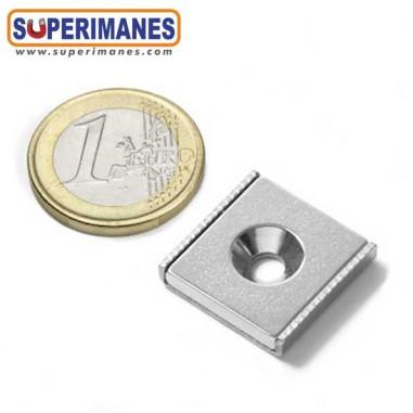 iman-en-recipiente-para-atornillar-avellanado-barra-magnetica-plana-20x20x04mm